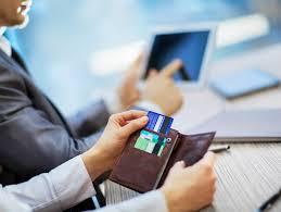 Miniaturka - Powody podnoszenia opłat przez banki