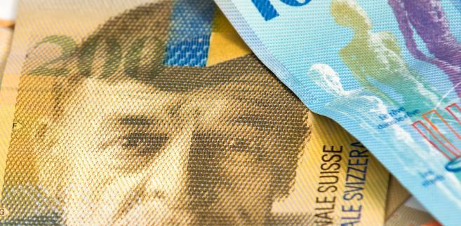 Miniaturka - Prezes ZBP zapowiedział: kredyty nie będą przeliczane po starych kursach