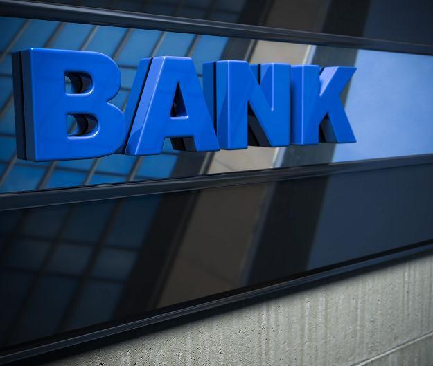 Politycy dobijają sektor bankowy