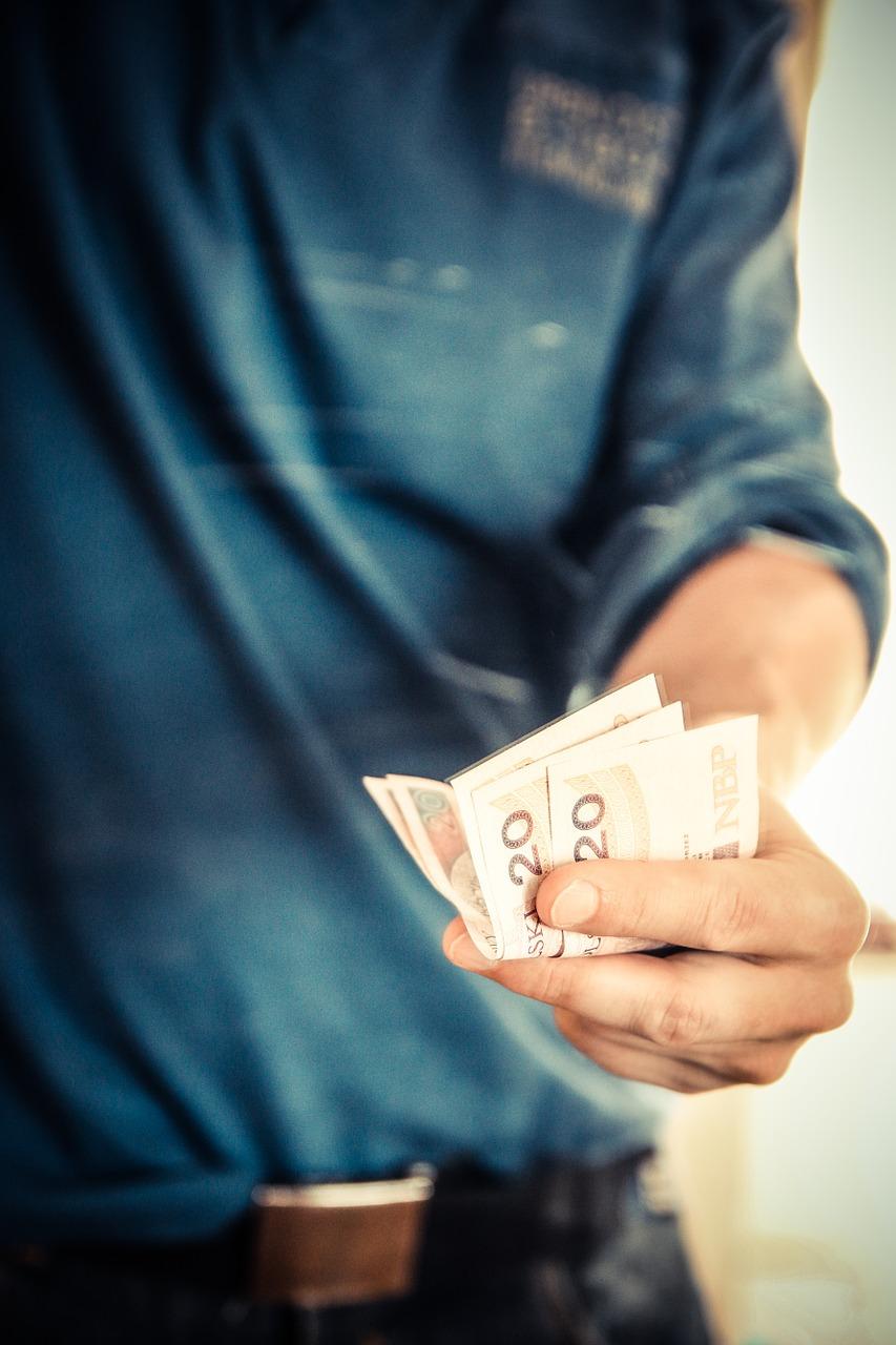 Dlaczego warto inwestować pieniądze?